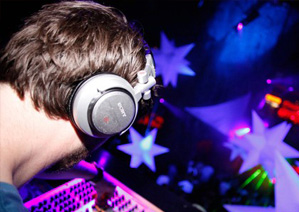 Saturdays with DJ Goldy - every Saturday night upstairs in 4 Dame Lane, Dublin 2 - Absolute Limos